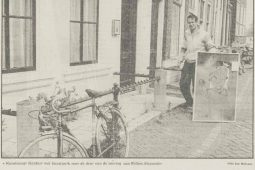 Jacob Kanbier met kunstwerk voor Willem Alexander