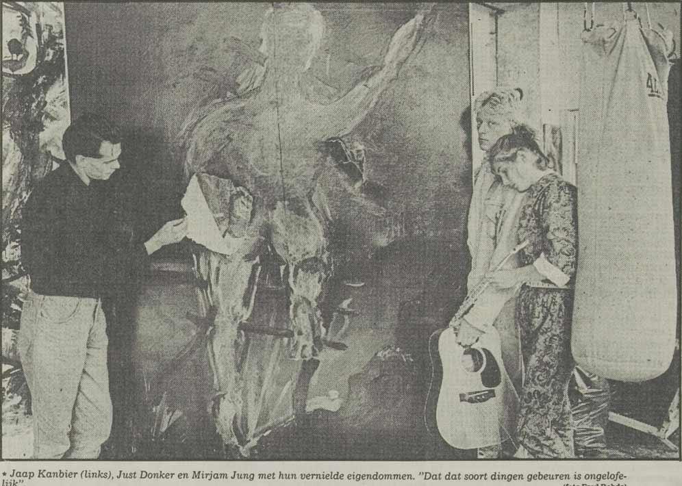 Jacob Kanbier in zijn vernielde atelier in Leiden, Leidsch Dagblad 09-07-1986